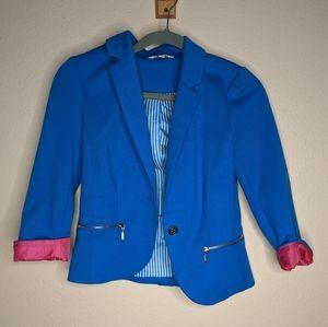 Candie's bright blue blazer